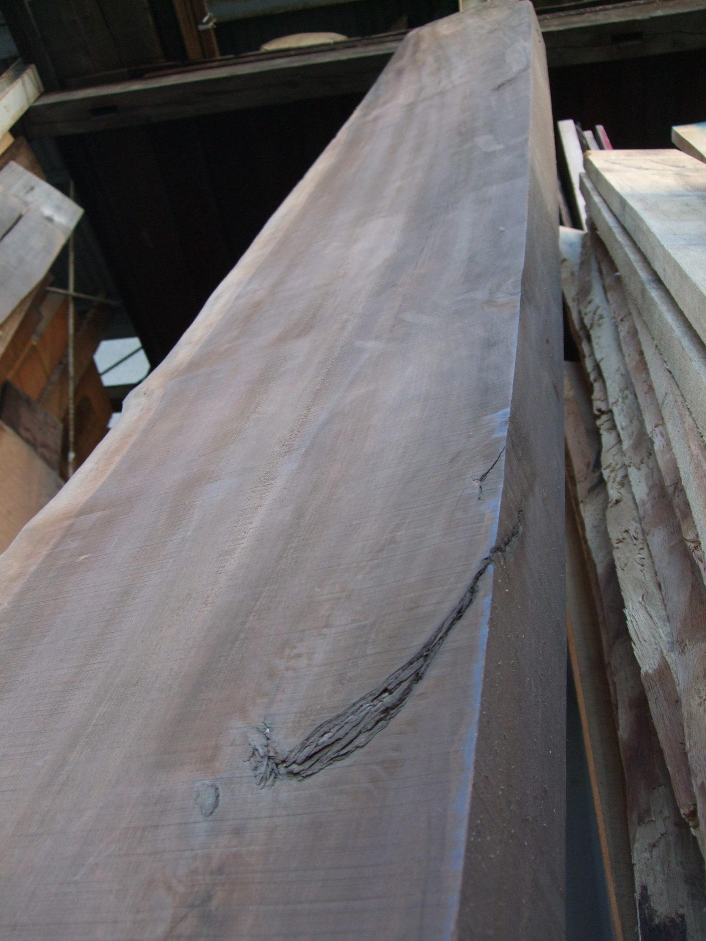 桂材の柾目、厚盤